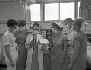 2016_107_007c Promotional photographs of the ICU in action for advertisements, 1966