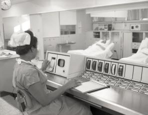 2016_107_014a Central nursing station, 1967