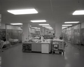 2016_107_023 Main room of the ICU, 1969