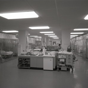 2016_107_023 Main room of the ICU, 1969