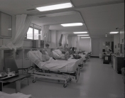 2016_107_035e Interior ICU, 1973