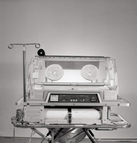 2016_128_001. Neonatal Transport Programme, Air shields transport incubator, Ohio transport incubator, 1986.