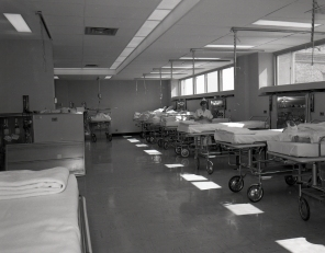 The new Recovery Room on G7 in 1961. Head Nurse Jessie Simmie is shown here.
