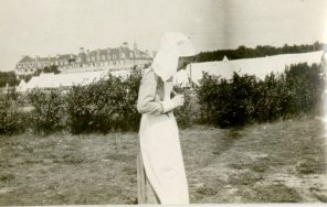 [Unidentified Nursing Sister taking a picture, Egypt]