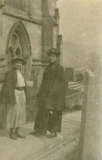 [Nursing sisters] Edith and [Cluill] in Church Yard, Bakewell, England