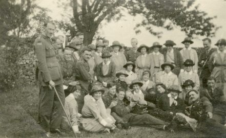 Officer patients and [nursing] sisters at a [?] in the country near Buxton 1918, England