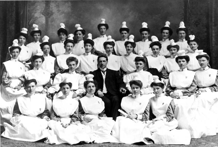 Winnipeg General Hospital School of Nursing Graduating Class, 1907