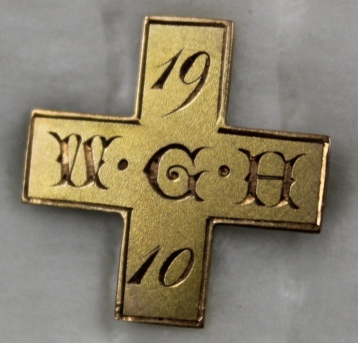 [Winnipeg General Hospital pin that belonged to Isobel Smith, 1910]