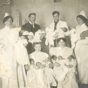 WGH Newborn nursery, ca. 1912. HSC Archives/Museum 2001.5.18 F4_P2__021