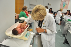 Breastfeeding clinic, Kathy Hamelin in foreground, 2009. HSC Communications
