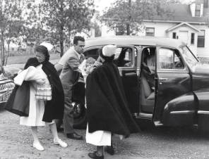 Children's Hospital staff evacuate patients to Deer Lodge during the 1950s flood, 1950. HSC Archives/Museum