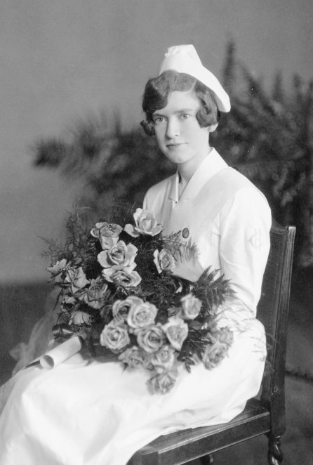 Evelyn Turner at graduation, 1929. HSC Archives/Museum