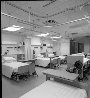 Gynecology Intermediate Care Unit, ca. 1980s. HSC Archives/Museum 1984_1