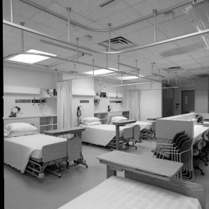 Gynecology Intermediate Care Unit, ca. 1980s. HSC Archives/Museum 1984_1