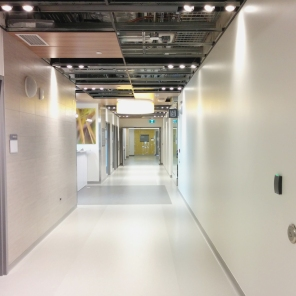 Construction of new Women's Hosptial, Interior, 2018, hallway. HSC Communication