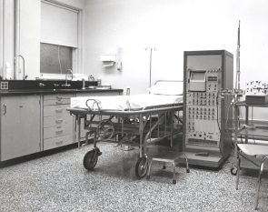 Clinical Investigation Unit at Women's Pavilion, 1972. HSC Archives/Museum Negative Collection