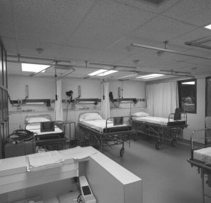 New Labour and Delivery floor recovery room LA-260, 1982. HSC Archives/Museum Negative Collection