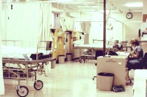 Women's Hospital rooms WR4 and WS4 before the move to LA-2, 1982. HSC Archives/Museum Negative Collection